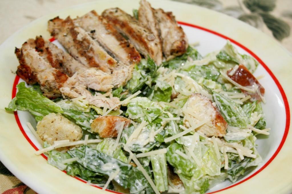 Low-calorie- grilled- chicken-caesar-salad