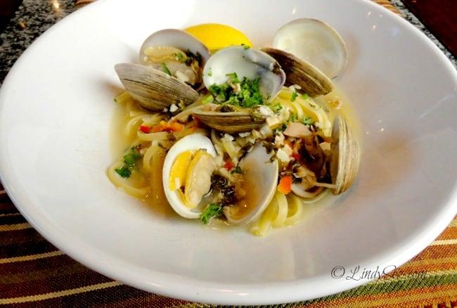clam spaghetti overhead shot in white bowl
