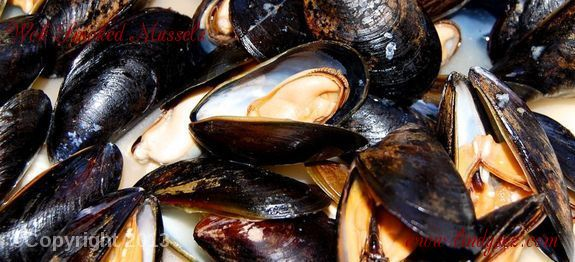A close-up photo of Wok Smoked Mussels.