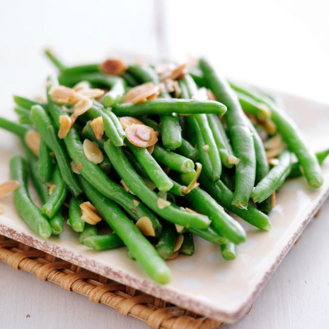 Steamed Green Beans with Slivered Almonds