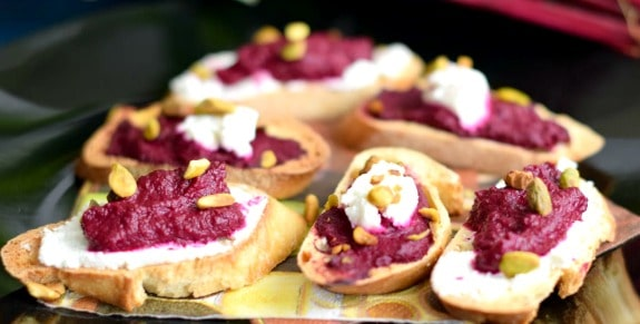 roasted-beet-crostini-goat-cheese