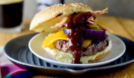coffee-rubbed cheeseburger with Texas bbq sauce