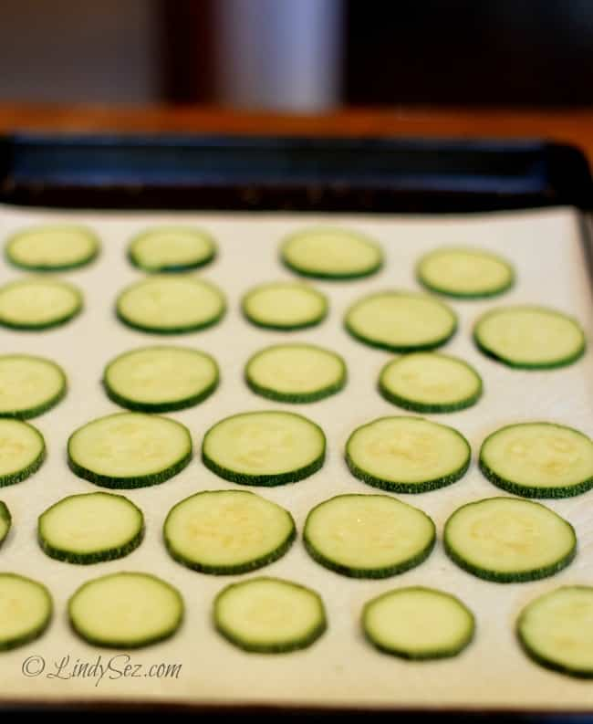 low fat oven baked zucchini crisps